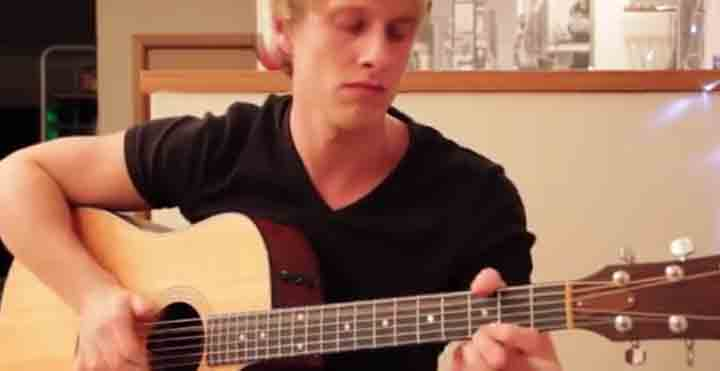 best acoustic guitar player, best guitarist, Tobias Rauscher Still Awake (Original)