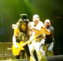Slash attacked on Stage by his crazy fan